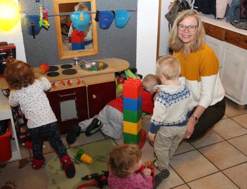 Sabine Streit betreut seit 13 Jahren Kinder in der Tagespflege. (Foto: OBK)