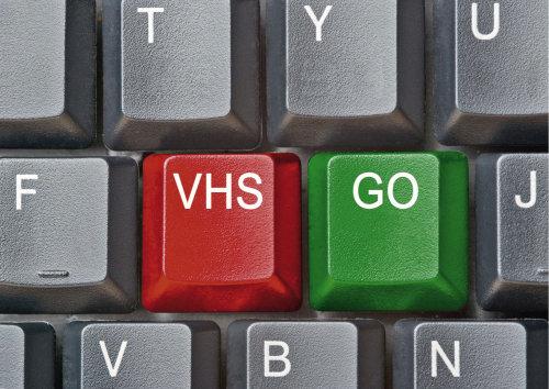 Die VHS-Oberberg verstärkt ihre Online- Angebote. (Foto: CE Grafik-Design/ VHS Oberberg)